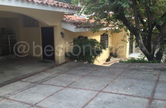 Spacious House for rent in Peguy-Ville