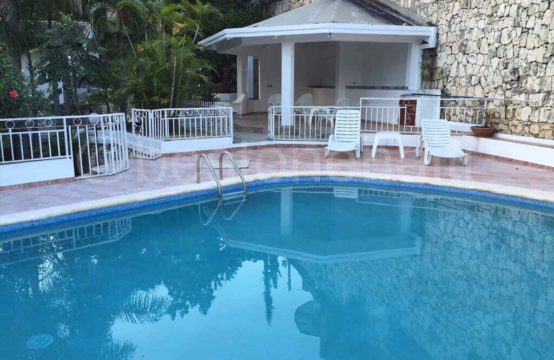 Furnished pool house in Morne Calvaire