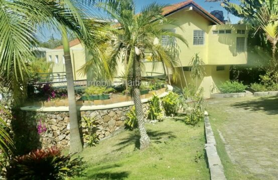 House for rent , 4 Bedroom, 3 bathroom 1/2, Laboule 16 , Haiti