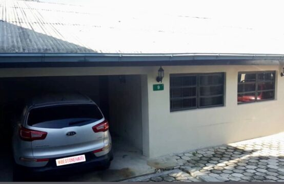 3 Bedrooms 2 Bathrooms House for sale , Delmas , Haiti . Contact +509-3729-3482